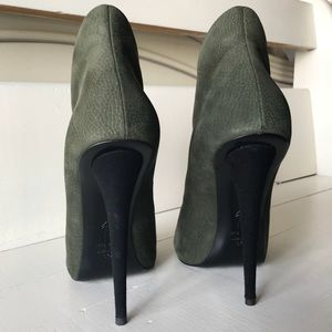 Giuseppe Zanotti Shoes - Green suede zip up ankle booties